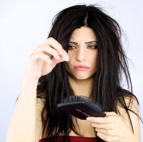 Длинные волосы начинают выпадать