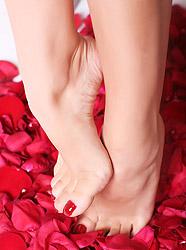 Сексуальные женские ножки на высоких каблуках
