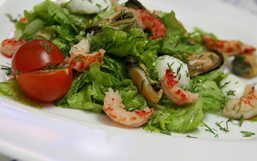 Салат из морепродуктов низкой калорийности