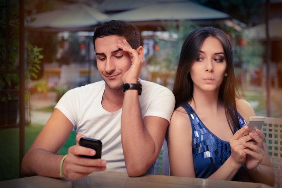 Жена изменяет мужу а он смотрит фото 418-853