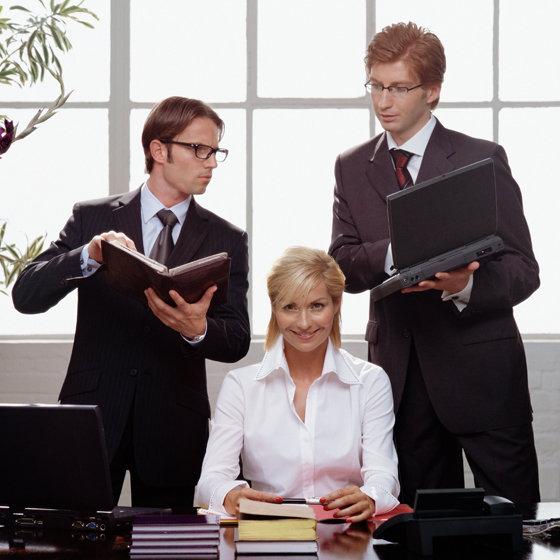 Шикарная бизнес леди наказала менеджера сексом фото 347-469
