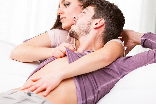Тактильный контакт у беременных вместо секса
