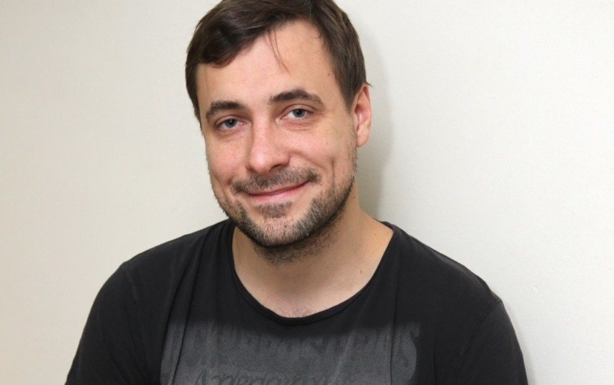 Евгений Цыганов показал редкое фото троих подросших сыновей