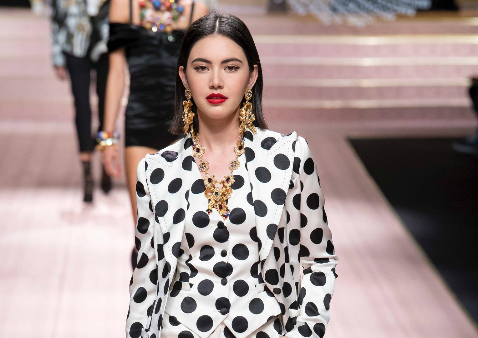 c5c1f45fe670 Мода — последние тенденции женской моды 2018, стиль звезд   Passion.ru