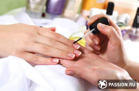 http://www.passion.ru/sites/passion.ru/files/imagecache/img460x313/content/images/s_article/62591/bodyimages/manicure_2.jpg
