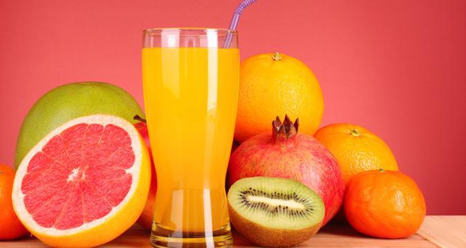 Полчаса при этом предпочтительнее употреблять воду или же соки с витамином