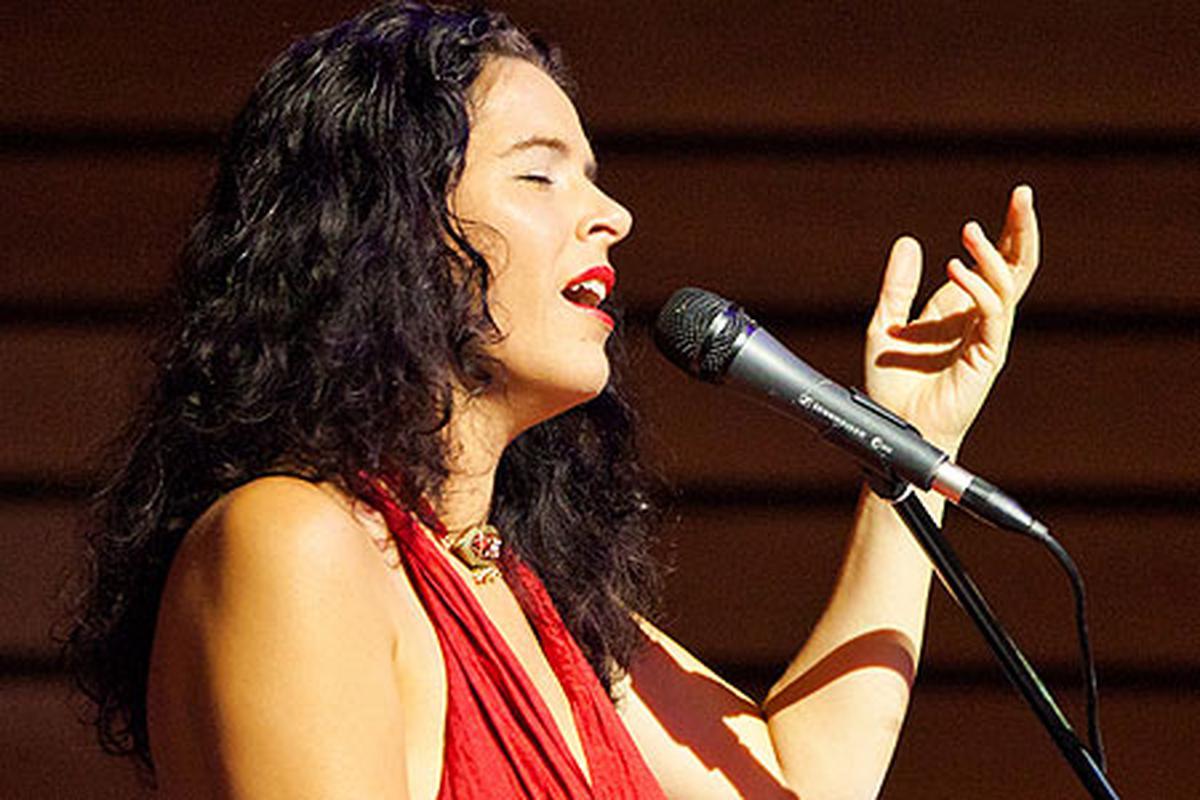 Певицы с низким сексуальным тембром голоса