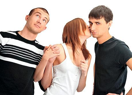 Что делать если любишь двоих