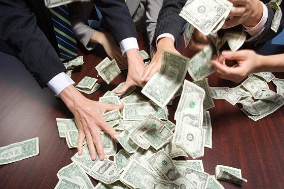 Миллионеры дающие деньги в долг