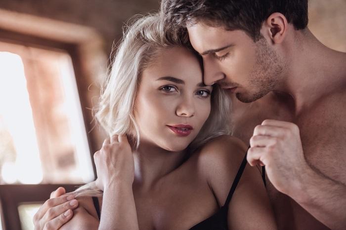 priemi-v-sekse-dovesti-muzhchinu-golie-russkie-na-publike-video-onlayn