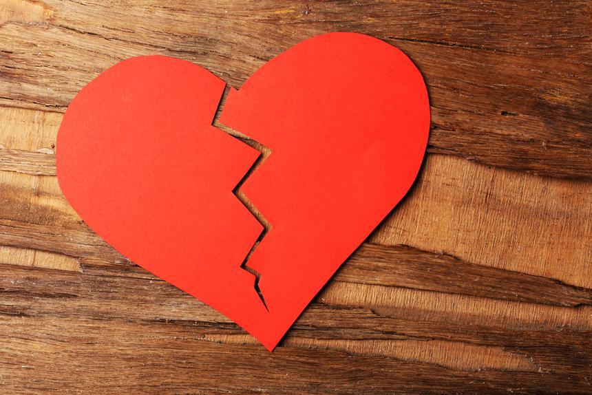 7 признаков, что ваш партнер страдает в отношениях (но боится вам в этом признаться)