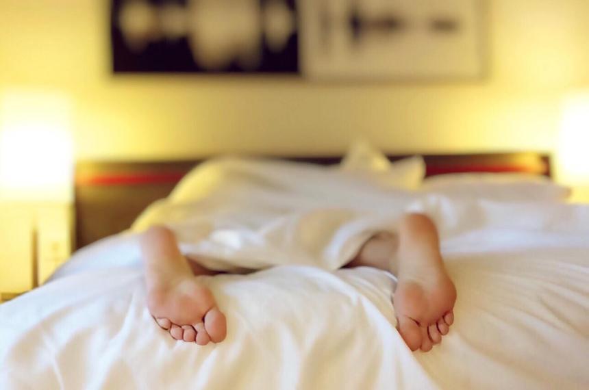 Почему возникает бессонница, и как научиться быстро засыпать