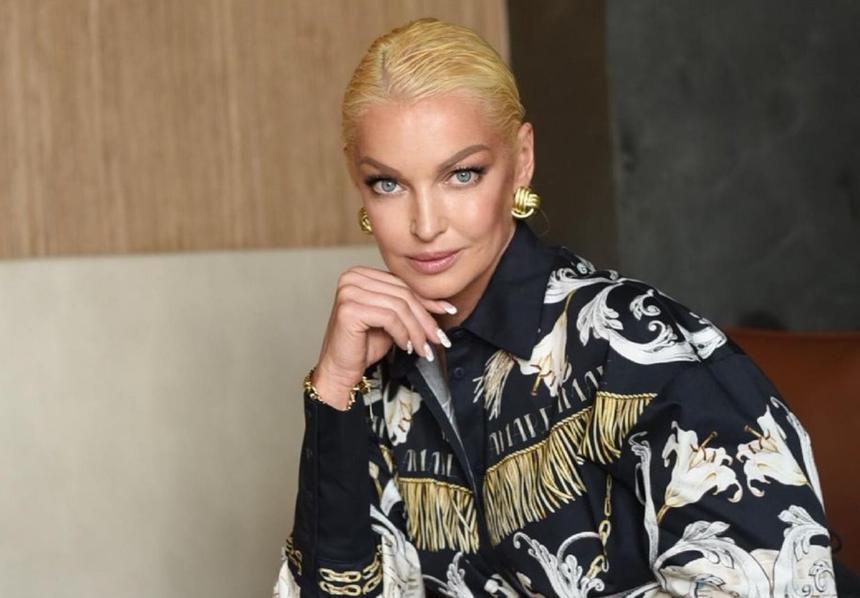 Волочкова, Водянова и другие звезды с проблемными волосами — комментарий эксперта